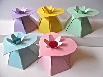 HEART Top Gift Box Assorted Pastel Coloured Card  x 10 (1)